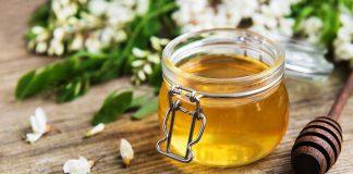 Honey with honey comb