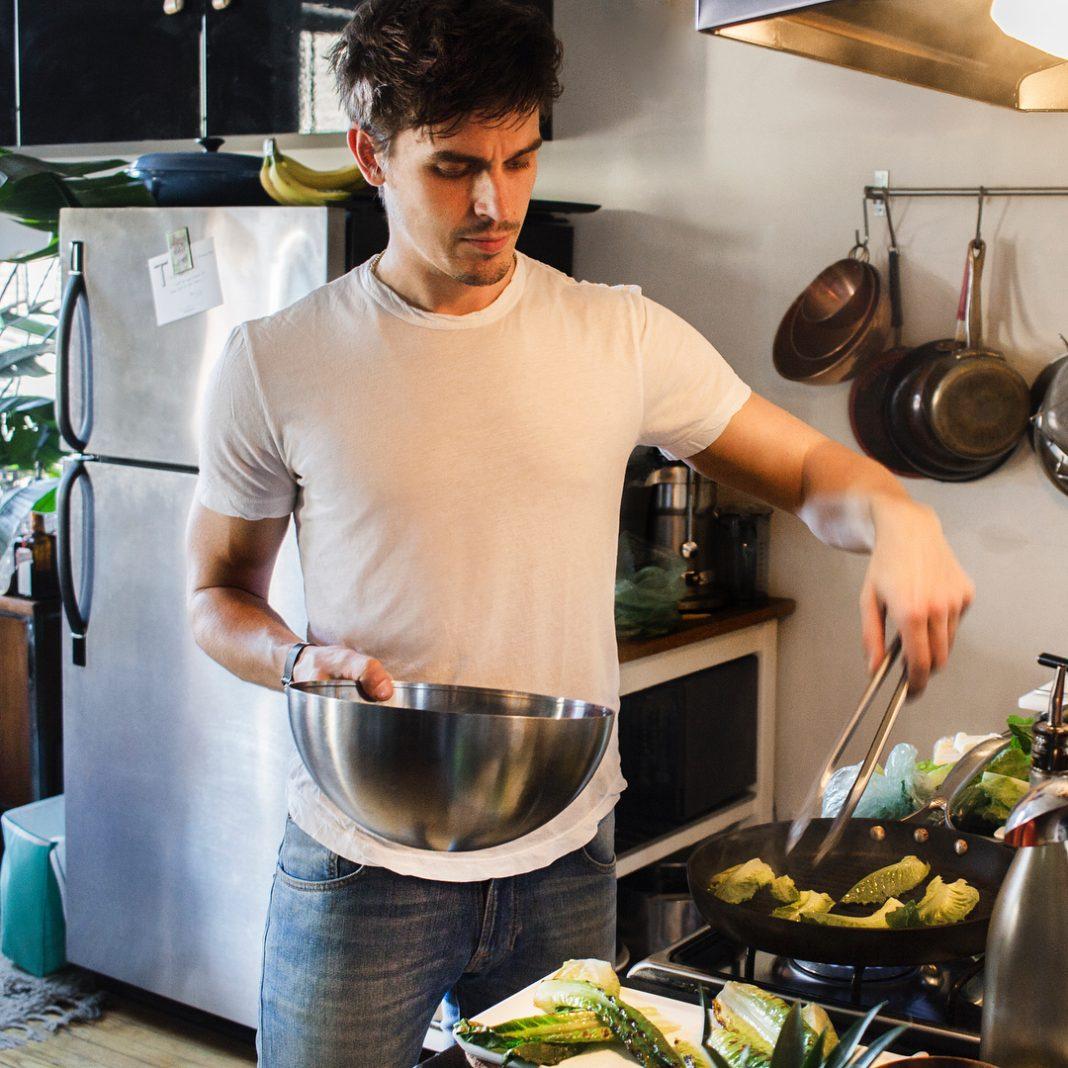 Antoni Cooking