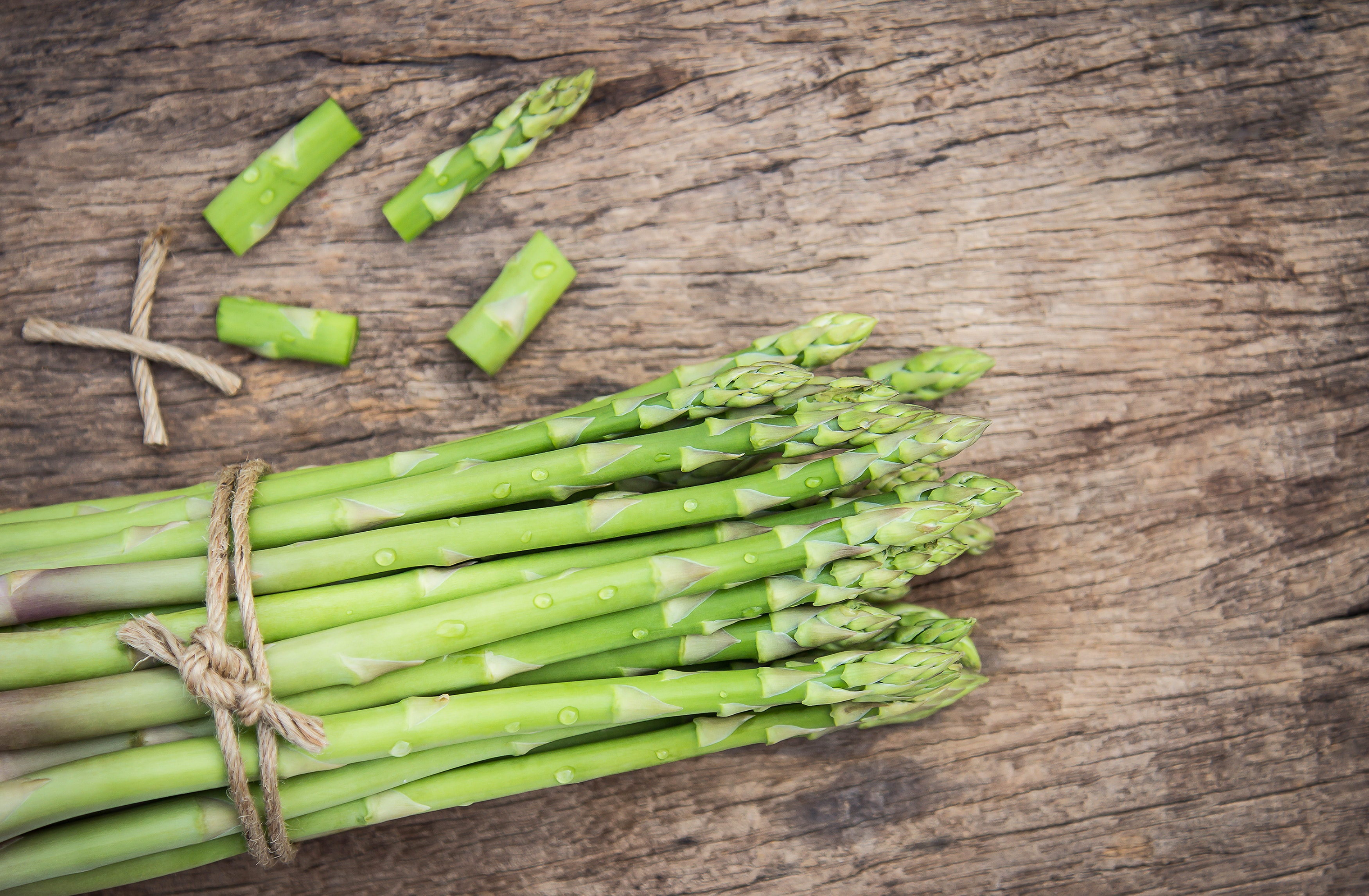 Asparagus bundle. Source: Pexels.