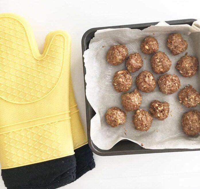Banana Protein Balls