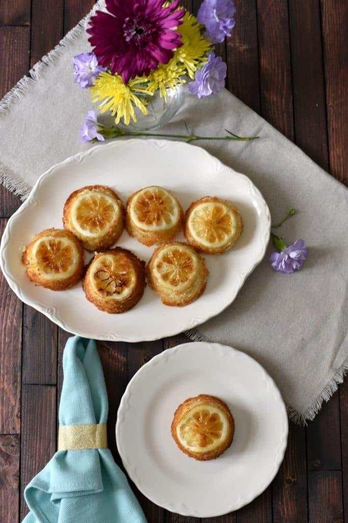 Sansa-Stark-Lemon-Cakes-683x1024