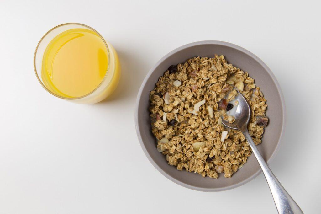Oats in granola. Source: Pexels.