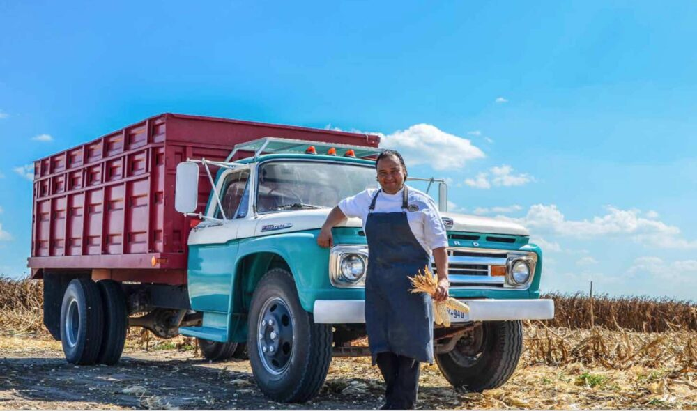 chef-johnny-hernandez-truck
