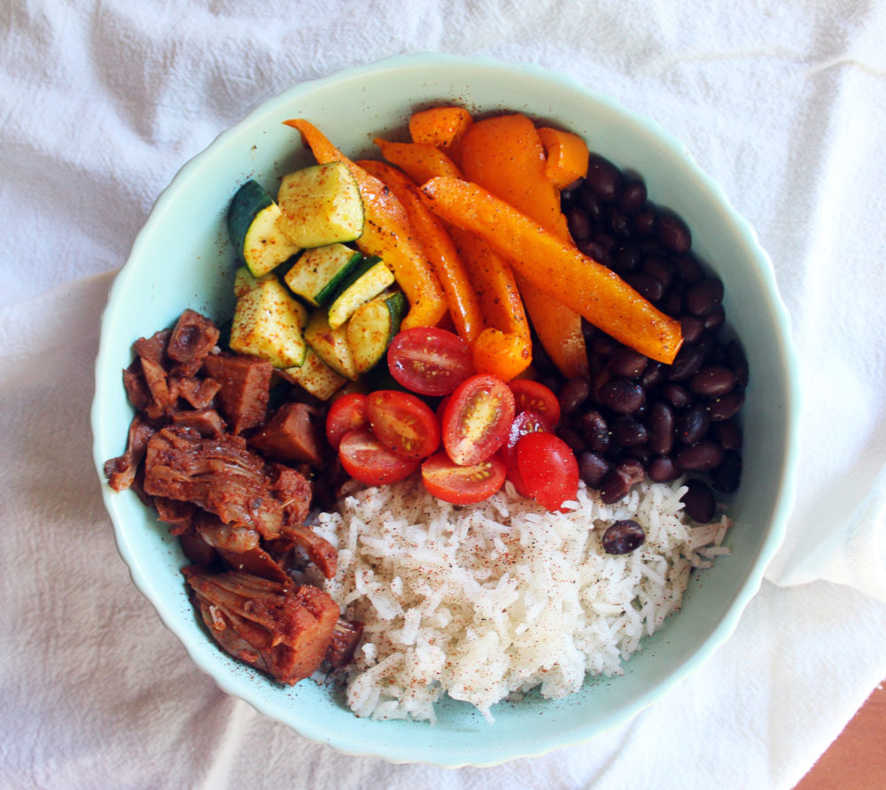 vegan-jackfruit-taco-bowl