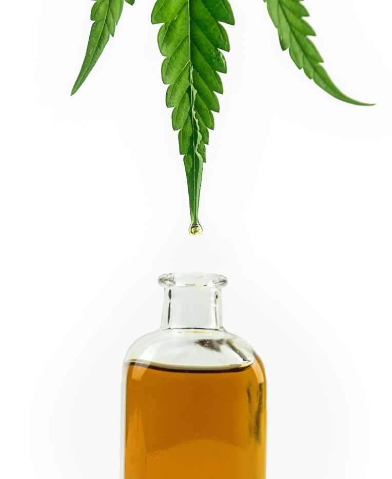 Is Cannabis Distillate the Same as Oil? We tell the difference